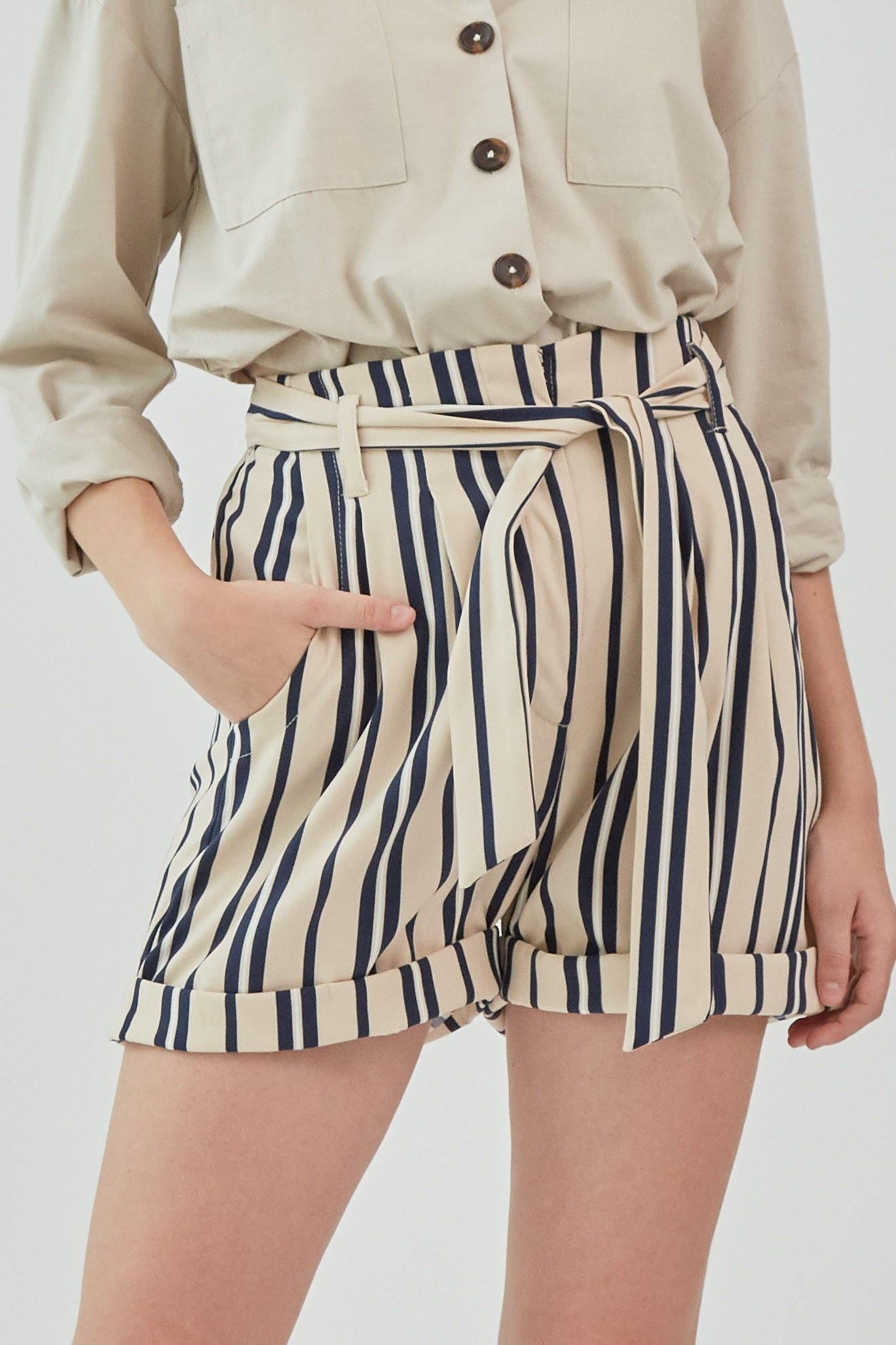 Picture of Valdisa Short NavyStripe