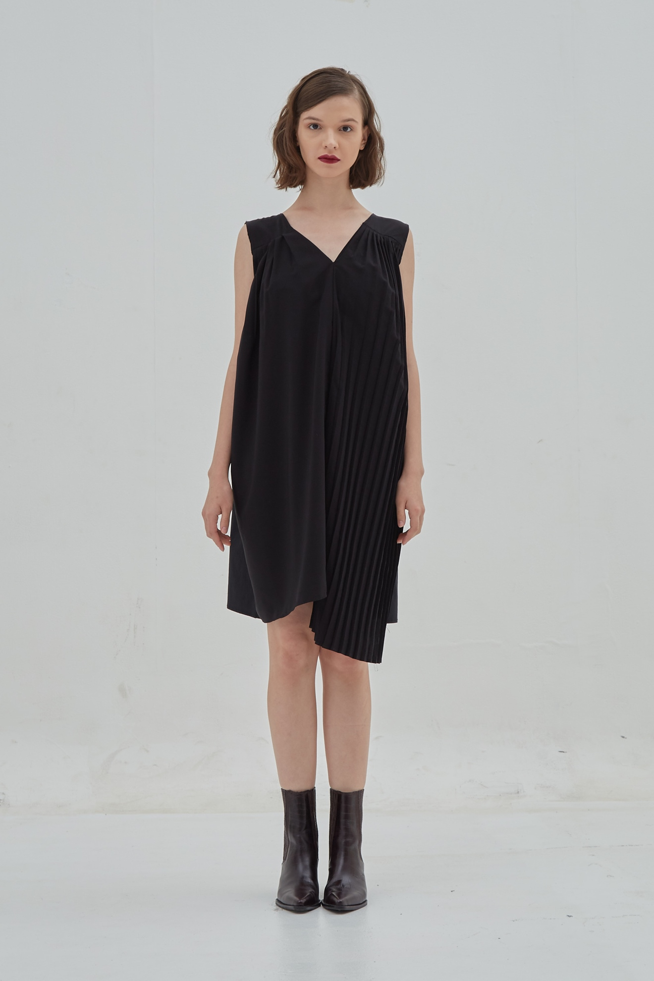 Picture of Narcilla Dress Black