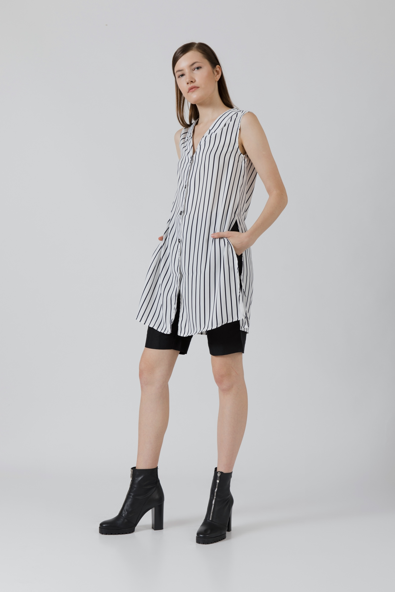 Picture of Curtis Slit Top IvoryStripe