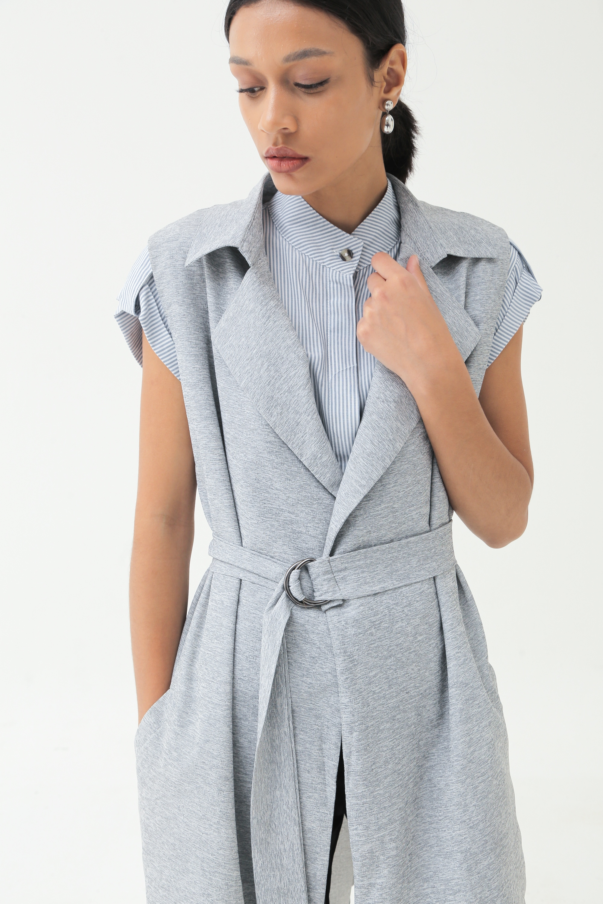 Picture of IXORA LONG VEST GREY WOLLY