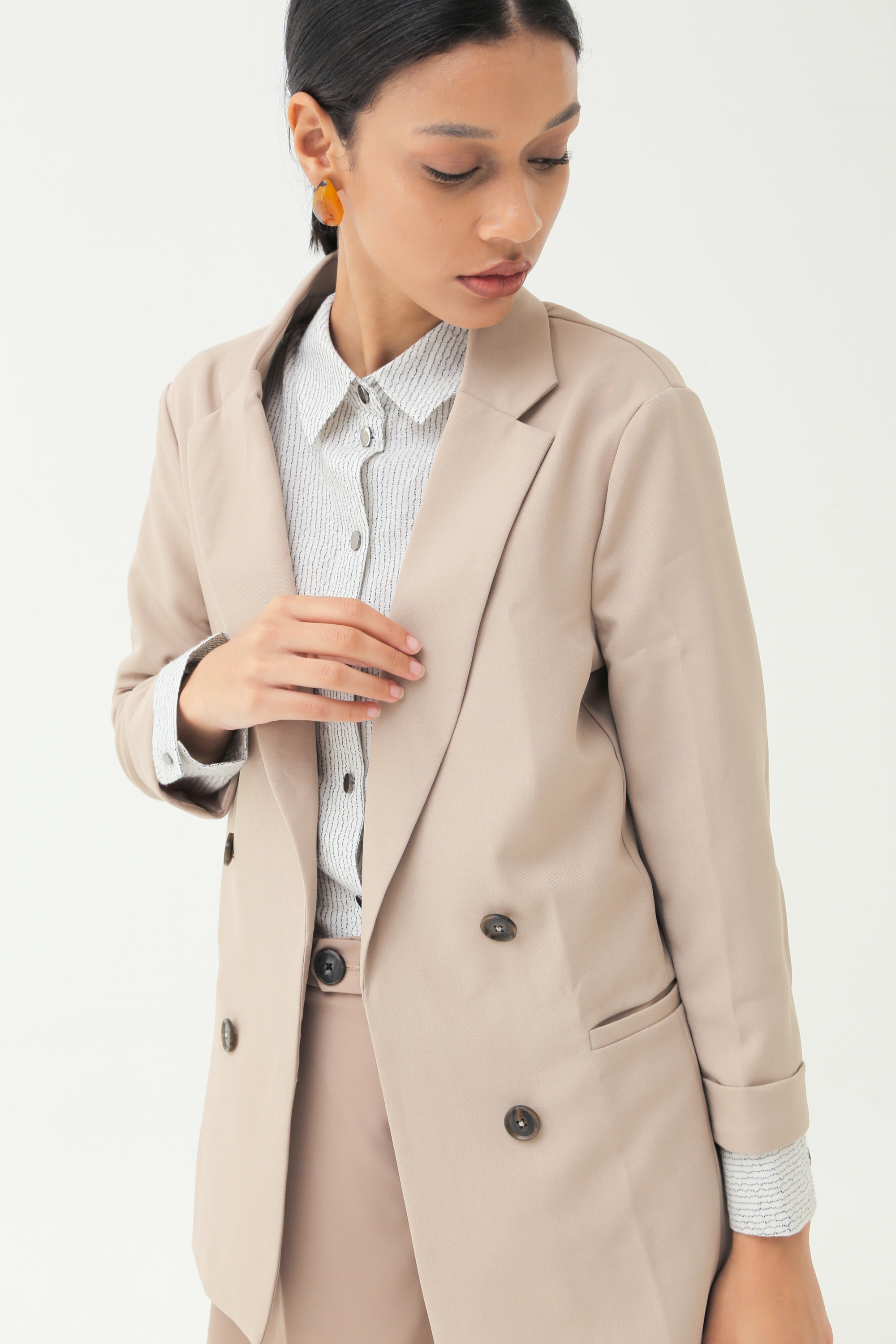 Picture of MERSHKA BLAZER CREAM SAND
