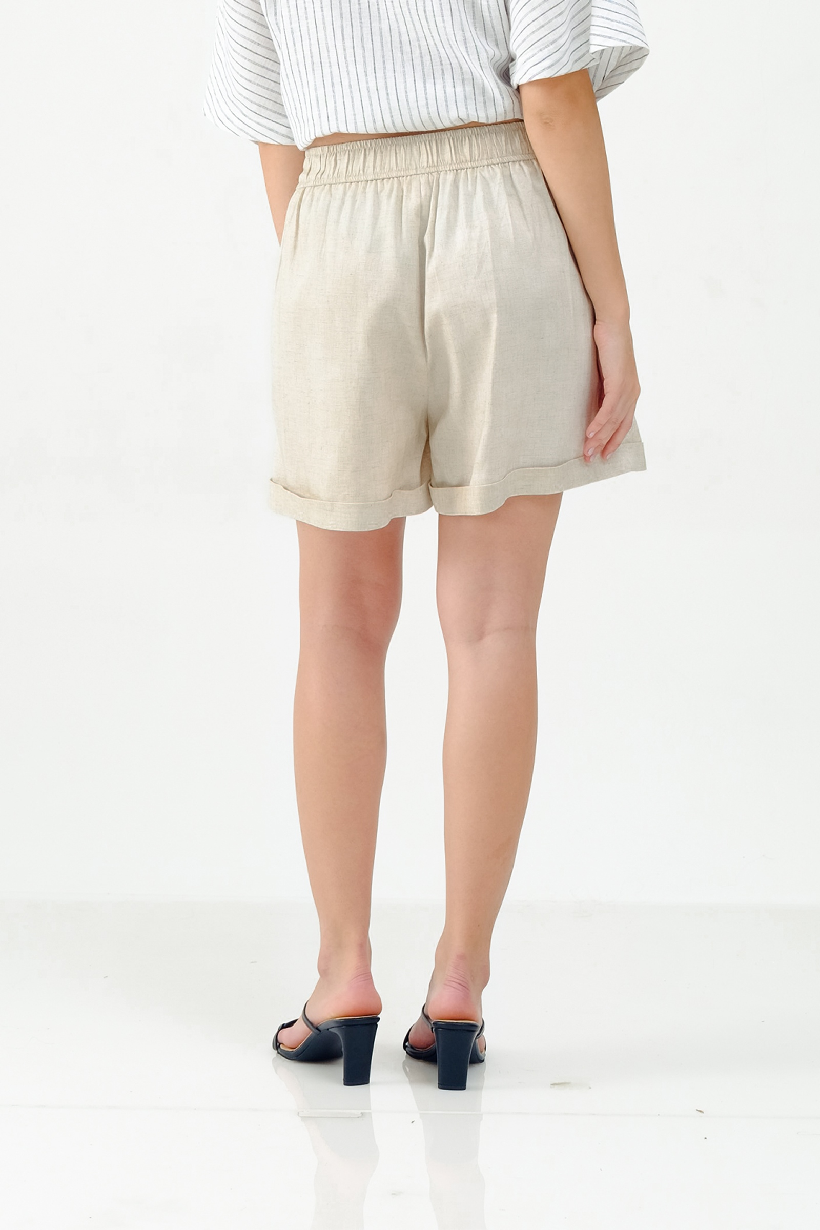 Picture of ARISTA SHORTPANTS CREAMY SANDS