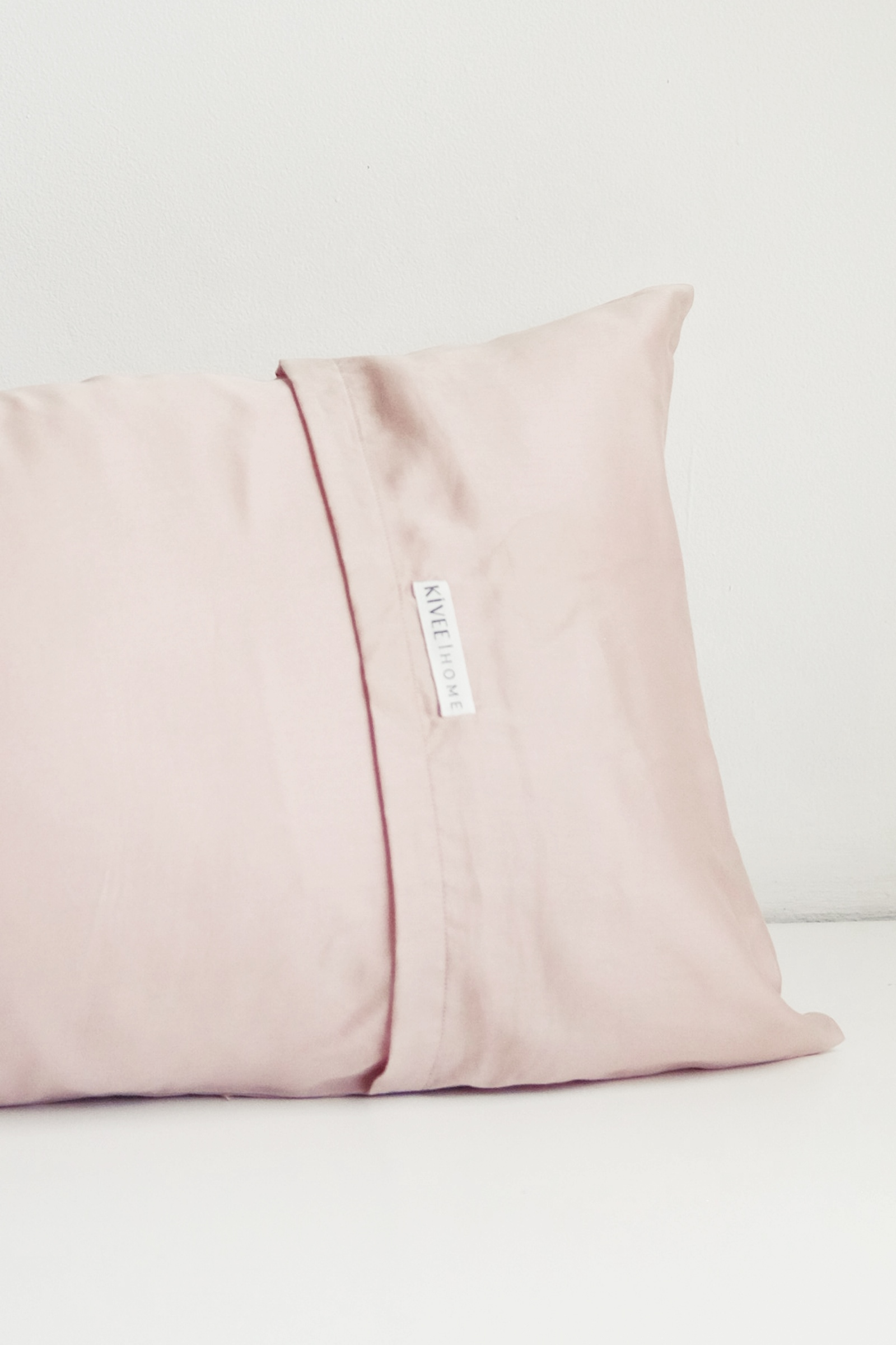 Picture of KIVEE X OSC SWEET DREAMS PILLOW BLUSH