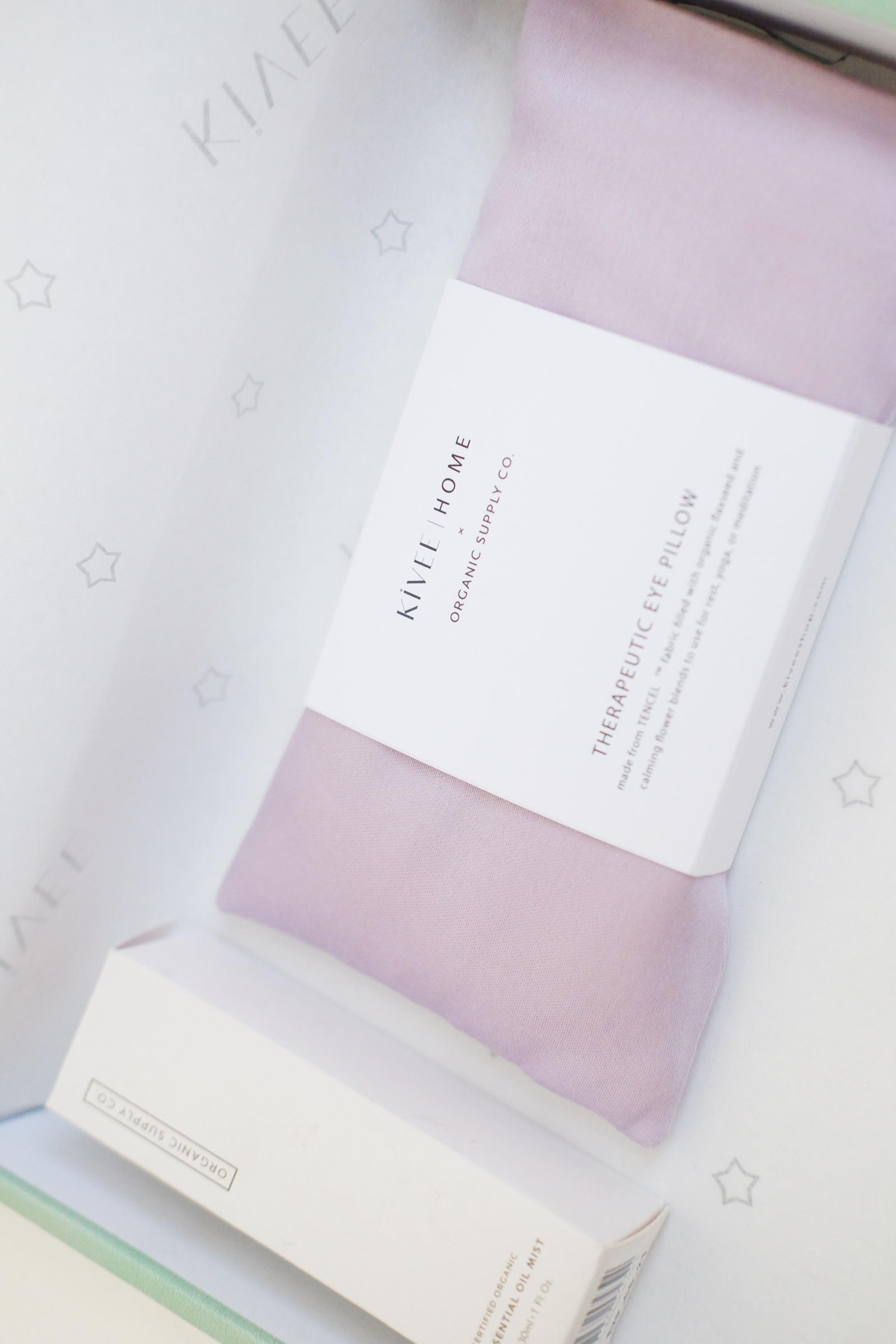 Picture of KIVEE X OSC BE THANKFUL  EYE PILLOW SOFT LILAC